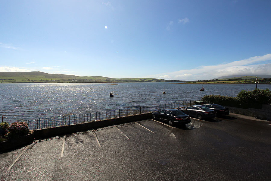 harbour_nights_dingle_Car_park_view_of_the_bay_1015
