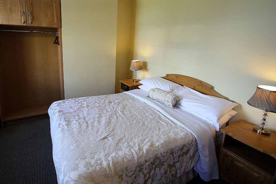 harbour_nights_dingle_bedroom_1010