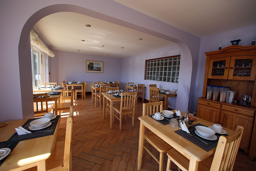 harbour_nights_dingle_dining_room_1003